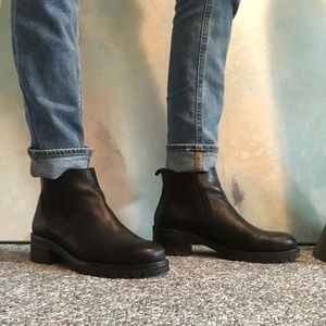 Black leather urban outfitters Chelsea boots